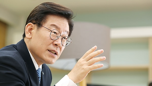 Gyeonggi Province Governor Lee Jae-myung offers disaster-related basic income of KRW 100 thousand to each provincial resident